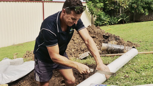 Eastern Suburbs Sydney plumber fixing a pipe
