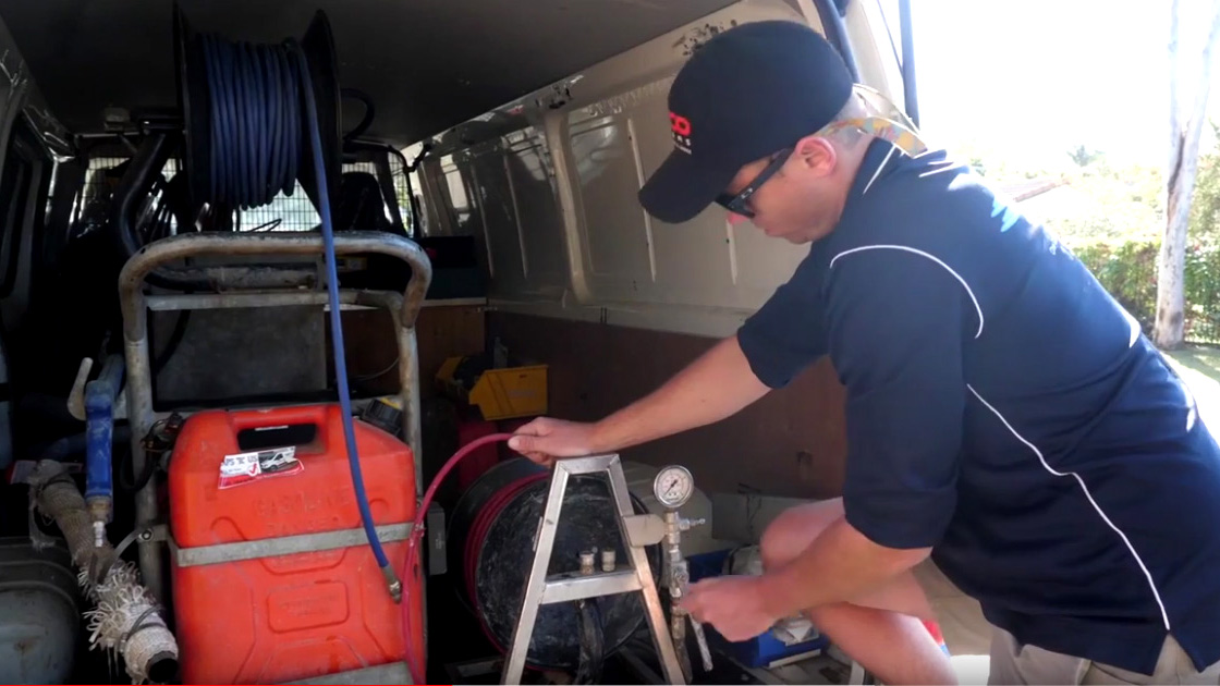 Eastern Suburbs plumber with blocked drain machinery